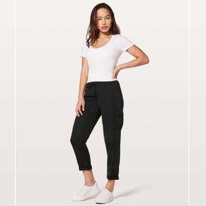 Lululemon Move Lightly Pants. Size 6.